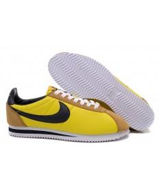las zapatillas de deporte Nike Classic Cortez Nylon amarillo de color caqui negros para hombre