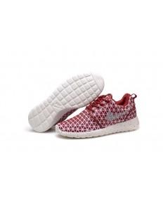 Nike Roshe Run triángulos oscuros de color rojo/blanco de las zapatillas de deporte para mujer