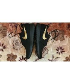 Nike Roshe Run zapatos formadores Negro/Oro