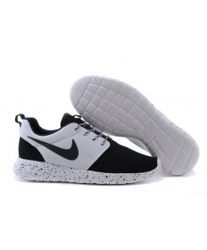 Nike Roshe Run Negro/Blanco trainers