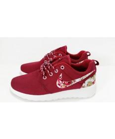 Nike Roshe Run zapatos de impresión marrón/flor por un hombre