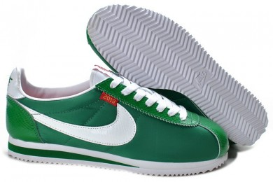 las zapatillas de deporte Nike Classic Cortez Nylon Verde Blanco para hombre