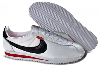 Nike Classic Cortez Nylon zapatos formadores Rojo Blanco Negro para mujer