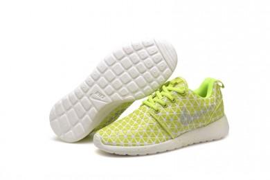 Nike Roshe Run Triángulos fluorescente amarillo/negro de las zapatillas de deporte para mujer