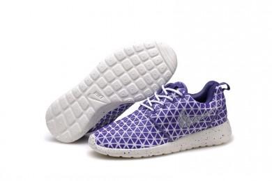 Nike Roshe Run Triángulos púrpura/blanco para trainers para mujer